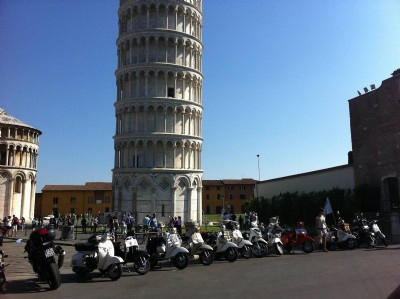 Vespa tour Pisa and Lucca